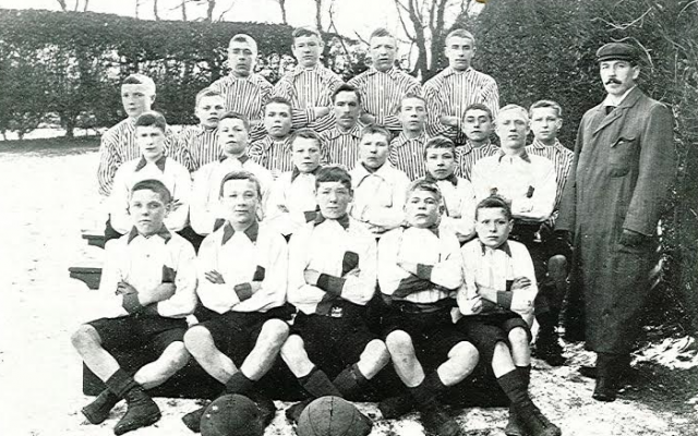 school boys football team